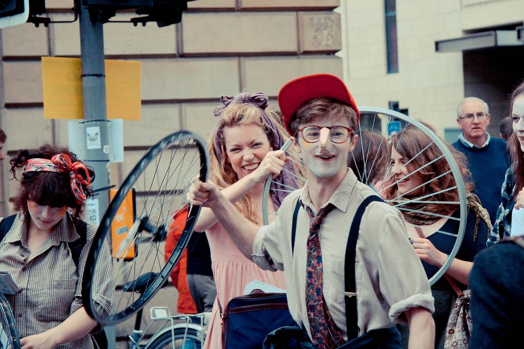 Edinburgh-Critics-Scheme_Image1_Laura-Saurez