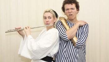 Samantha_Sutherland_playing_Rosie_and_Max_Runham_playing_Nicobobinus_3_c._Ellie_Kurttz