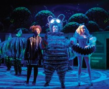 wonder.land - Lois Chimimba (Aly), Hal Fowler (The Cheshire Cat & Caterpillar) and Carly Bawden (Alice). Photography by Brinkhoff and Mögenburg